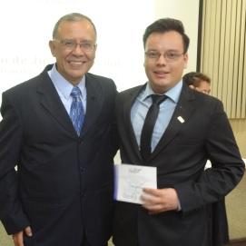 Ceremonia de juramentación en el Colegio de Psicólogos de Guatemala. Con Director Riquelmi Gasparico.